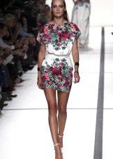 Платье с цветочным принтом короткое с короткими рукавами