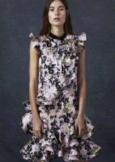Платье с цветочным принтом с оборками