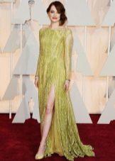 Максимально длинное платье с разрезом