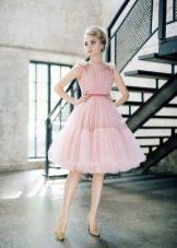 Платье нежно-розового цвета короткое