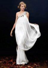 Белое греческое шелковое платье