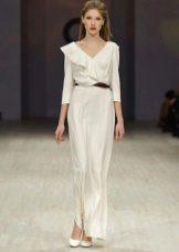 белое шелковое платье в пол