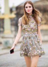 Короткое шелковое платье