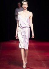Шелковое платье-комбинация бежевое