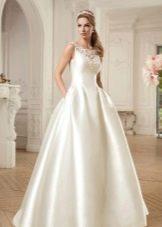 Пышное свадебное платье из шелка 2016