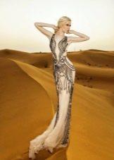 Телесное платье с узором