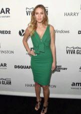 Короткое зеленое платье