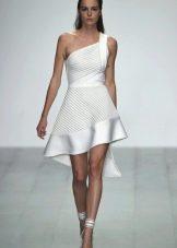 Белое летнее платье