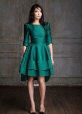 Зеленое простое платье