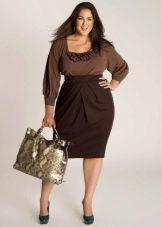 Комбинированное трикотажное платье для полных