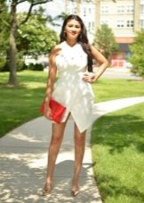 Белое летнее асимметричное платье
