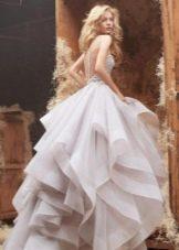 Свадебное платье многоярусное пышное