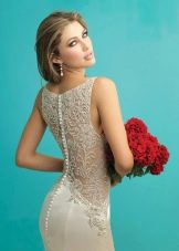 Платье с гипюром на спине
