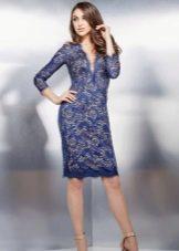 Гипюровое платье-футляр