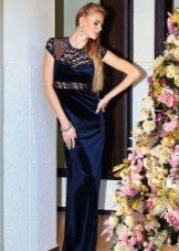 Бархатное платье с гипюровым лифом