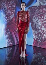 Красное короткое гипюровое платье