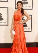 Грэмми--2016 оранжевое платье