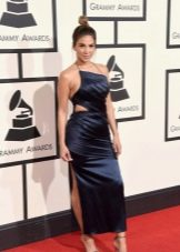 Грэмми--2016  платье в вырезами
