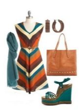 Полосатое цветное платье, украшения и аксессуары для женщин цветотипа Осень