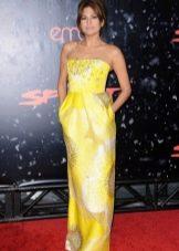 Подходящее платье для женщин цветотипа Осень - Ева Мендес