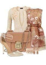 Бежевое платье с принтом и аксессуары для женщин цветотипа Осень