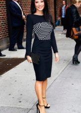 """Черное платье с черно-белой полосатой вставкой на груди для цветотипа """"Зима"""""""