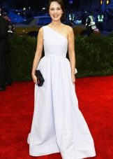 """Белое платье для цветотипа """"Зима"""""""