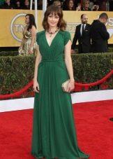 Длинное зеленое платье для цветотипа Зима