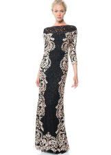 Черное кружевное платье с белым кружевом
