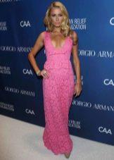 Розовое кружевное платье в пол