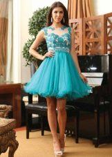 Голубое платье с кружевным верхом