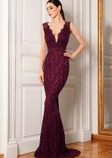 Кружевное платье винного цвета в пол