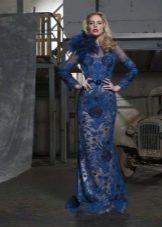 Синее кружевное платье с рукавами