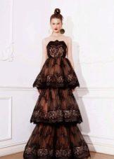 Кружевное черное платье многоярусное
