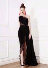 Платье с кружевной вставкой с разрезом