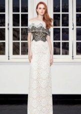 Черное-белое кружевное платье с приспущенными плечами