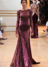 Кружевное платье с длинным рукавом