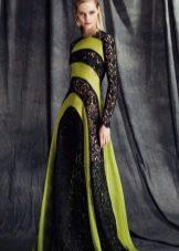 Платье с кружевной вставкой черно-зеленое