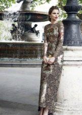 Платье с кружевной вставкой в пол