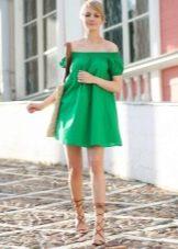 Льняное якро-зеленое платье