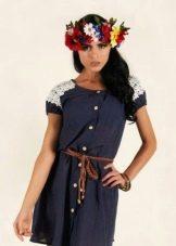 Льняное синее платье с кружевной отделкой рукавов