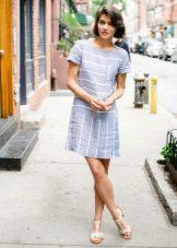 Летнее короткое льняное платье