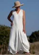 Льняное летнее платье свободного кроя