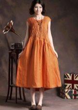Оранжевое длинное льняное платье
