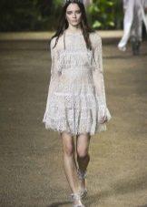 Elie Saab весна-лето 2016 короткое платье с длинным рукавом а-силуэта