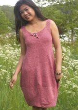Короткое вязаное платье-баллон