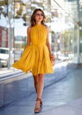 Платье бэби долл для романтической встречи