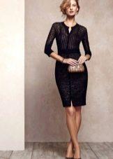 Красивое черное платье футляр