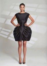 Платье из неопрена черное