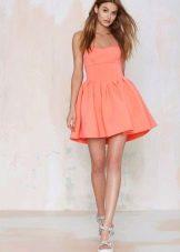 Персиковое платье из неопрена